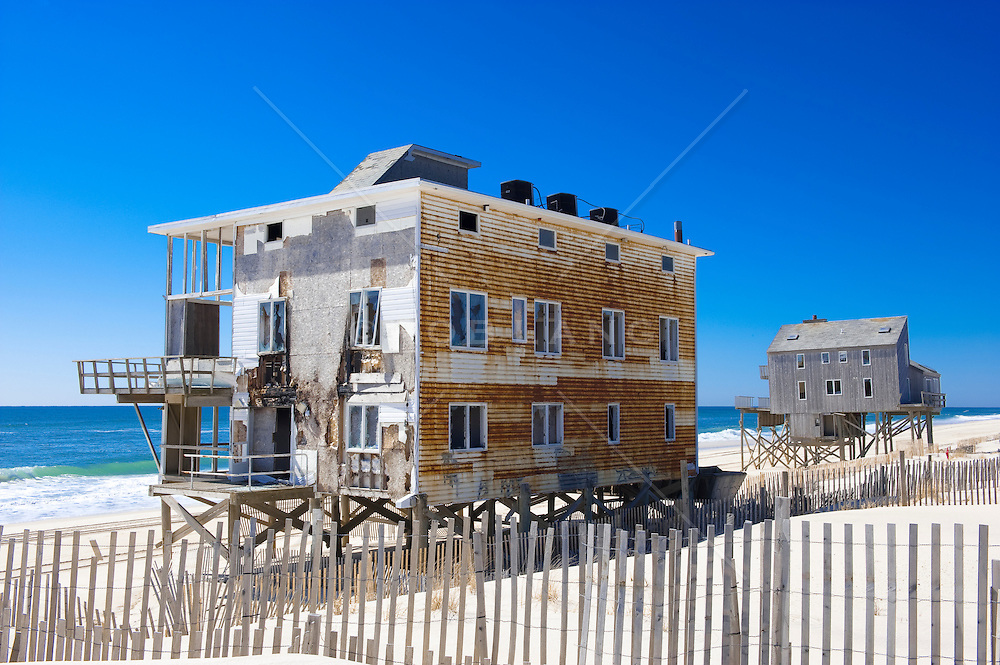 houses in disrepair on the beach