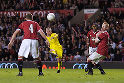 Manchester, England - Thursday, April 26, 2007: Liverpool's Ray Putterill shoots against Manchester United during the FA Youth Cup Final 2nd Leg at Old Trafford. (Pic by David Rawcliffe/Propaganda)