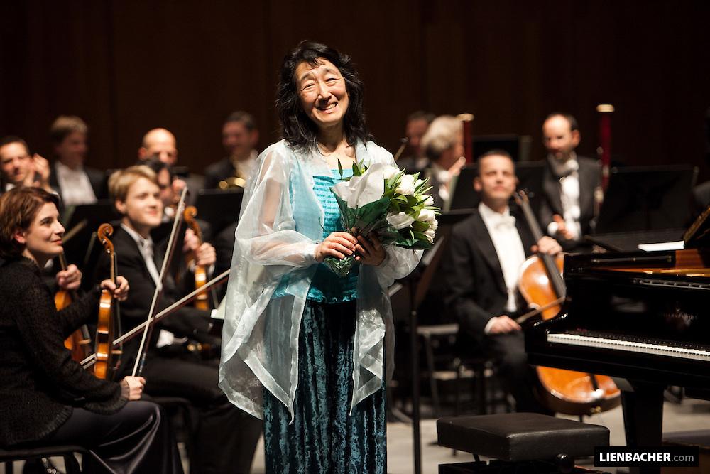 Salzburg, Grand Festival Hall: Mitsuko Uchida and Seiji Ozawa, after a concert while the Mozarweek 2009. Photo: Wolfgang Lienbacher
