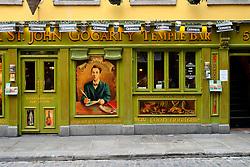 IRELAND DUBLIN 6FEB06 - The famous St. John Gogarty pub and hotel in Dublin's trendy Temple Bar district.. . jre/Photo by Jiri Rezac. . © Jiri Rezac 2006. . Contact: +44 (0) 7050 110 417. Mobile:  +44 (0) 7801 337 683. Office:  +44 (0) 20 8968 9635. . Email:   jiri@jirirezac.com. Web:    www.jirirezac.com. . © All images Jiri Rezac 2006 - All rights reserved.