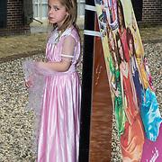 NLD/Baarn/20140423 - Perspresentatie Prinsessia, Froukje de Both dochter Emma