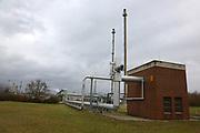Mannheim. 06.03.17 | BILD- ID 057 |<br /> Friesenheimer Insel. BASF Anlage. Produktion im Werksteil Friesenheimer Insel. <br /> In den Produktionsanlagen der BASF werden Rohstoffe durch chemische Reaktionen in<br /> andere Stoffe umgewandelt. Dies geschieht bei den Anlagen im Werksteil Friesenheimer<br /> Insel im ständigen Durchlauf (kontinuierliche Produktion). Dabei laufen die Reaktionen<br /> unter hohem Druck und erhöhter Temperatur ab. Einsatzstoffe und erzeugte Stoffe werden<br /> zwischengelagert und per Rohrleitung, Tankschiff, Kesselwagen und Tankzug bezogen oder abtransportiert. <br /> Bild: Markus Prosswitz 06MAR17 / masterpress (Bild ist honorarpflichtig - No Model Release!)