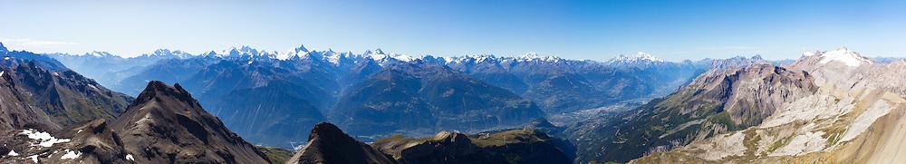 CRANS MONTANA ETE TOURISME ALPES MONTAGNES.PANORAMA.2011..(PHOTO-GENIC.CH/ OLIVIER MAIRE)