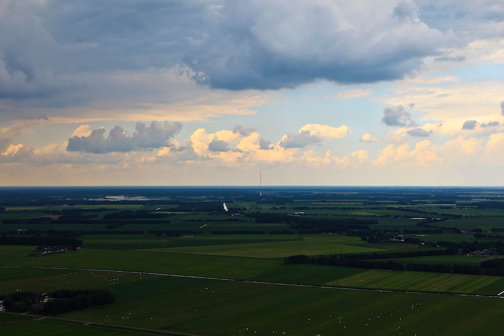 Nederland, Drenthe, Hoogersmilde, 30-06-2011; zicht op de Zendmast Smilde.Radio tower in N-E Netherlands. luchtfoto (toeslag), aerial photo (additional fee required).copyright foto/photo Siebe Swart