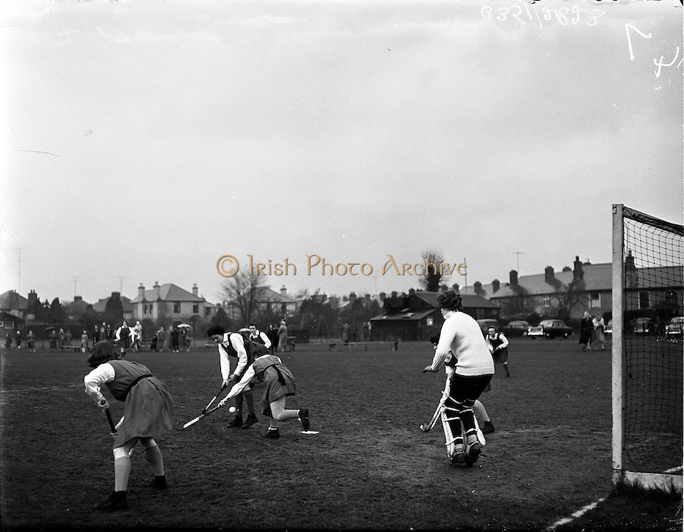 01/04/1960<br /> 04/01/1960<br /> 01 April 1960<br /> Schoolgirl Interprovincial Hockey Munster v Leinster.