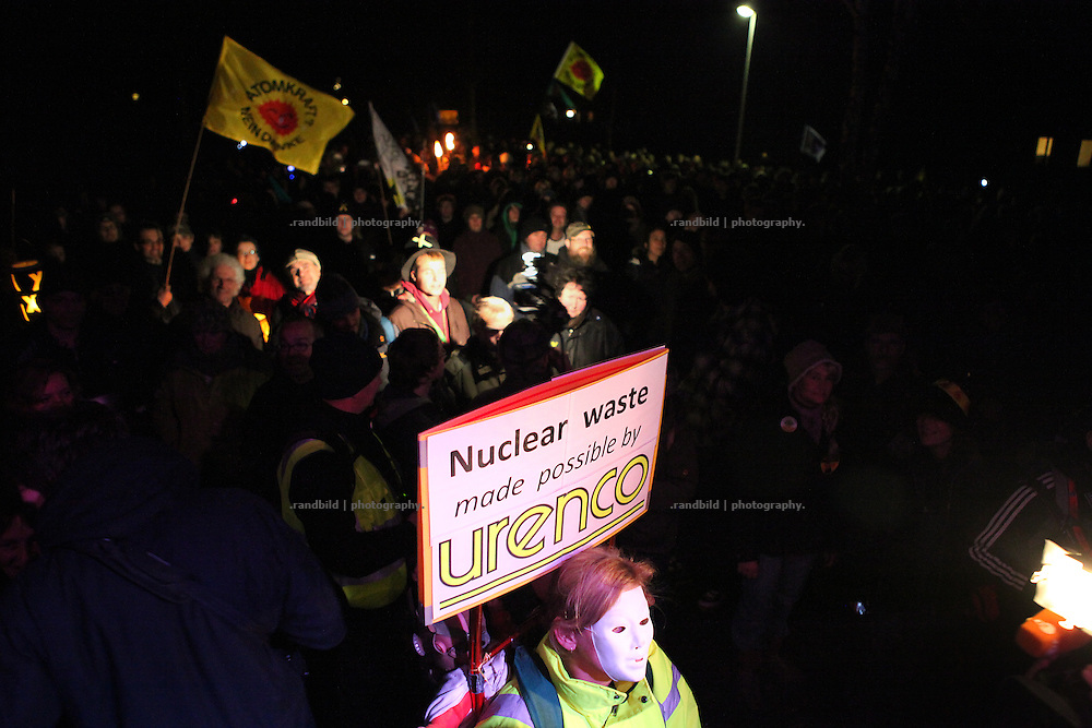 After 3.000 protesters expressed their refusal against a recent nuclear waste transport to Gorleben, Police broke up a blockade of a main road. water canons sprayed hundreds of activists aside leaving several people injured.