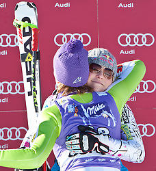 22.01.2011, Tofana, Cortina d Ampezzo, ITA, FIS World Cup Ski Alpin, Lady, Cortina, Abfahrt, im Bild Lindsey Vonn (USA, #22, Platz 3) gratuliert Maria Riesch (GER, #18, Platz 1) // Lindsey Vonn (USA, place 3) congratulates Maria Riesch (GER, place 1) during FIS Ski Worldcup ladies Downhill at pista Tofana in Cortina d Ampezzo, Italy on 22/1/2011. EXPA Pictures © 2011, PhotoCredit: EXPA/ J. Groder