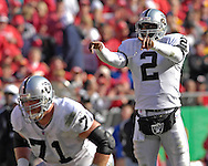 Oakland Raiders quarterback Aaron Brooks (2) call out a play during action against Kansas City at Arrowhead Stadium in Kansas City, Missouri, November 19, 2006.  The Chiefs beat the Raiders 17-13.<br />