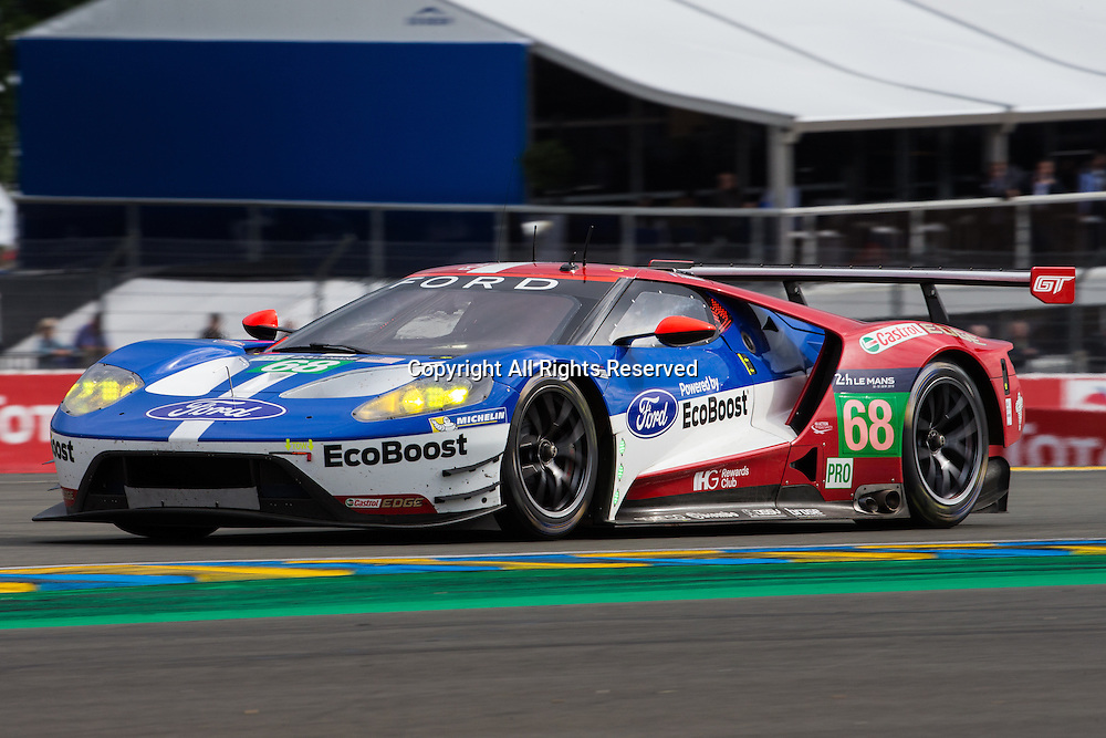 15.06.2016. Le Mans Circuit, Le Mans, France. Le Mans 24 Hours Practice and Qualifying. Ford Chip Ganassi Team USA Ford GT LMGTE Pro driven by Joey Hand, Dirk Muller and Sebastien Bourdais.
