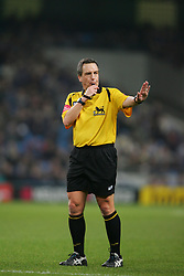 MANCHESTER, ENGLAND - WEDNESDAY, JANUARY 4th, 2006: Referee Alan Wiley takes charge of Manchester City's match against Tottenham Hotspur during the Premiership match at the City of Manchester Stadium. (Pic by David Rawcliffe/Propaganda)