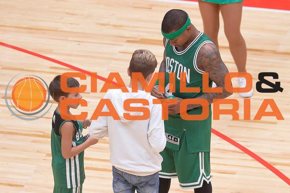 DESCRIZIONE : Milano NBA Global Games EA7 Olimpia Milano - Boston Celtics<br /> GIOCATORE : Isaiah Thomas<br /> CATEGORIA : PostGame<br /> SQUADRA :  Boston Celtics<br /> EVENTO : NBA Global Games 2016 <br /> GARA : NBA Global Games EA7 Olimpia Milano - Boston Celtics<br /> DATA : 06/10/2015 <br /> SPORT : Pallacanestro <br /> AUTORE : Agenzia Ciamillo-Castoria/IvanMancini<br /> Galleria : NBA Global Games 2016 Fotonotizia : NBA Global Games EA7 Olimpia Milano - Boston Celtics