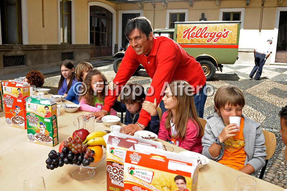 &copy; Filippo Alfero / LaPresse<br /> Rivoli (TO), 28/05/2009<br /> varie, sport, calcio<br /> Backstage Spot Kelloggs con Gigi Buffon