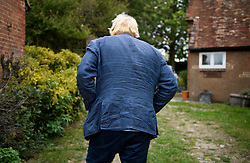 © Licensed to London News Pictures. 17/09/2018. Thame, UK. BORIS JOHNSON is seen turning away form camera after speaking to media, while leaving his Oxfordshire home on September 17, 2018. The former Foreign Secretary has continued his criticism of British Prime Minister Theresa May's Brexit plans. Photo credit: Ben Cawthra/LNP