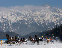 WHITE TURF HORSE RACING ON ICE.ST MORITZ.18-2-2007.X77493.Picture Bob Martin..RACE 2 GRAND PRIX GAGGENAU HAUSGERATE 1900M.(5) MELBOURNE DRIVEN BY CHRISTINE ROTHER.(1) GONE DEBERIEUX DRIVEN BY CLAUDIA KOLLER.