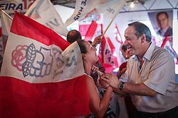 """O candidato a governador do Estado pela coligação """"O Rio Grande Merece Mais"""", Vieira da Cunha durante ato de campanha na Restinga. FOTO: Jefferson Bernardes/ Agência Preview"""