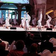 NLD/Amsterdam/20121002 - H.K.H. Prinses Maxima opent in het Tropenmuseum de tentoonstelling MixMax Brazil, dansvoorstelling