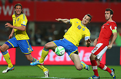 07.06.2013, Ernst Happel Stadion, Wien, AUT, FIFA WM Qualifikation, Oesterreich vs Schweden, im Bild Andreas Granqvist, (SWE, #4), Zlatan Ibrahimovic, (SWE, #10) und Christian Fuchs, (AUT, #5)  // during the FIFA World Cup Qualifier Match between Austria and Sweden at the Ernst Happel Stadium, Vienna, Austria on 2013/06/07. EXPA Pictures © 2013, PhotoCredit: EXPA/ Thomas Haumer