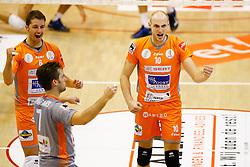 20141029 BEL: Eredivisie, Callant Antwerpen - Volley Behappy2 Asse - Lennik: Antwerpen<br />Robbert Andringa (6) of Volley behappy2 Asse - Lennik, Jasper Diefenbach (10) of Volley behappy2 Asse - Lennik<br />©2014-FotoHoogendoorn.nl / Pim Waslander