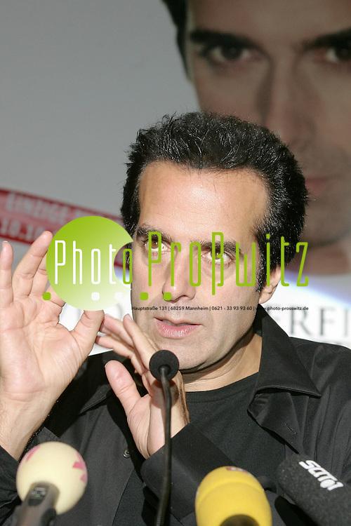 Mannheim. Dorint Hotel. Pressekonferenz mit David Copperfield.<br /> <br /> Bild: Markus Pro&szlig;witz<br /> ++++ Archivbilder und weitere Motive finden Sie auch in unserem OnlineArchiv. www.masterpress.org ++++