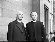 12/06/1957.06/12/1957.12 June 1957. Rev. T. Wesley McKinney, President Elect of Methodist Church Conference with Rev. Samuel McCaffrey, outgoing President of Methodist Church in Ireland on right. Methodist Church Conference at St Stephens Green, Dublin.