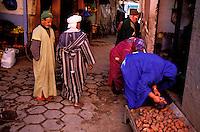 Maroc - Anti Atlas - Taroudant - Le souk arabe - Marché