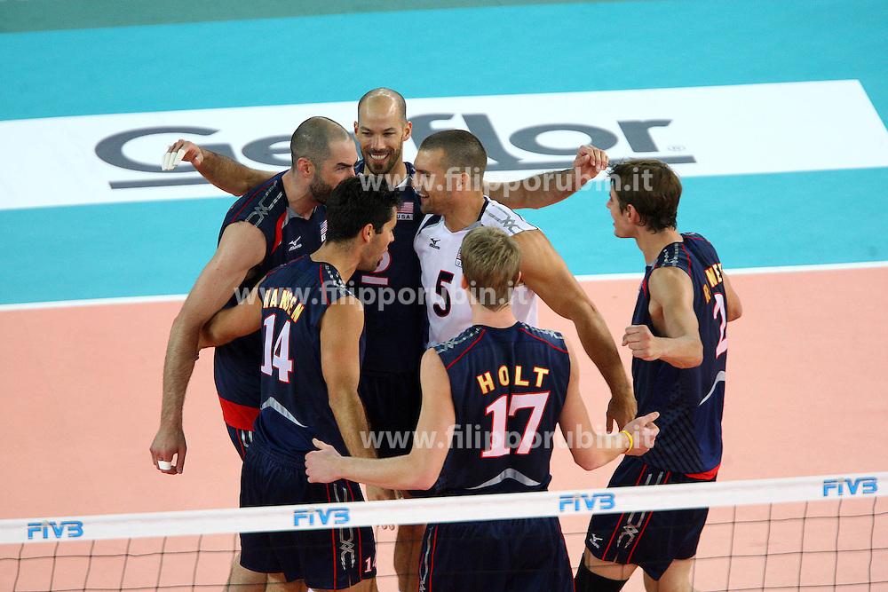GLI USA ESULTANO.USA - Francia.Volley 2010.Campionati mondiali pallavolo maschile 2010.Roma 04-10-2010.Foto Galbiati - Rubin