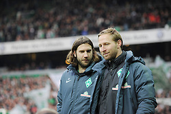 12.12.2015, Weserstadion, Bremen, GER, 1. FBL, SV Werder Bremen vs 1. FC Koeln, 16. Runde, im Bild Torsten Frings, Co-Trainer von Werder Bremen, links und Florian Kohfeldt, Co-Trainer von Werder Bremen, rechts, auf dem Weg zur Trainerbank // during the German Bundesliga 16th round match between SV Werder Bremen and 1. FC Koeln at the Weserstadion in Bremen, Germany on 2015/12/12. EXPA Pictures © 2015, PhotoCredit: EXPA/ Eibner-Pressefoto/ Schmidbauer<br /> <br /> *****ATTENTION - OUT of GER*****