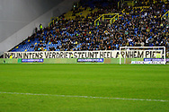 Onderwerp/Subject: Vitesse - Willem II      Eredivisie<br /> Reklame: <br /> Club/Team/Country: Vitesse - Willem II<br /> Seizoen/Season: 2009/2010<br /> FOTO/PHOTO: Banner for Vitesse's goalkeeper Piet VELDHUIZEN (Photo by PICS UNITED/Aaron van Zandvoort)<br /> <br /> Trefwoorden/Keywords: <br />  $28 &plusmn;1261427875599<br /> Photo- &amp; Copyrights &copy; PICS UNITED<br /> P.O. Box 7164 - 5605 BE  EINDHOVEN (THE NETHERLANDS)<br /> Phone +31 (0)40 296 28 00<br /> Fax +31 (0) 40 248 47 43<br /> http://www.pics-united.com<br /> e-mail : sales@pics-united.com (If you would like to raise any issues regarding any aspects of products / service of PICS UNITED) or<br /> e-mail : sales@pics-united.com <br /> <br /> ATTENTIE:<br /> Publicatie ook bij aanbieding door derden is slechts toegestaan na verkregen toestemming van Pics United.<br /> VOLLEDIGE NAAMSVERMELDING IS VERPLICHT! (&copy; PICS UNITED/Naam Fotograaf, zie veld 4 van de bestandsinfo 'credits')<br /> ATTENTION: <br /> &copy; Pics United. Reproduction/publication of this photo by any parties is only permitted after authorisation is sought and obtained from  PICS UNITED- THE NETHERLANDS
