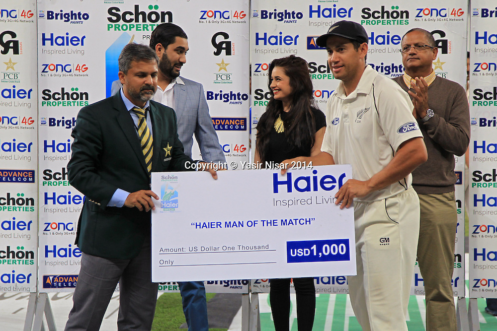 Pakistan vs New Zealand, 21 November 2014 <br /> Ross Taylor was awarded Man of the Match award in second test in Dubai