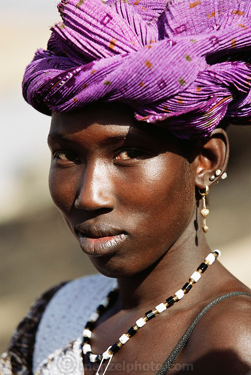 Woman at the Saturday market in Kouakourou, Mali. Africa.