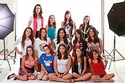 Portraits de jeune filles durant l'activité Portrait Mode -   / Laval / Canada / 2010-07-21, © Photo Marc Gibert/ adecom.ca