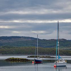 Lago da Escócia (paisagem) fotografado na Escócia, na Europa. Registro feito em 2019.<br /> ⠀<br /> ⠀<br /> <br /> <br /> <br /> <br /> ENGLISH: Scotland lake  photographed in Scotland, in Europe. Picture made in 2019.