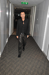 JULIEN MACDONALD at a dinner hosted by Ruinart Champagne for Yasmin Mills at Nobu, Park Lane, London on rth May 2009.