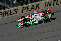 Tony Kanaan and Dan Wheldon at the Pikes Peak International Raceway, Honda Indy 225, August 21, 2005