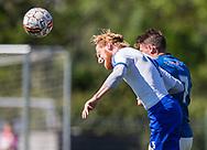 FODBOLD: Lasse Juul Jensen (Herlev) header væk under kampen i Danmarksserien mellem Herlev Fodbold og Jægersborg Boldklub den 17. juni 2017 i Herlev Park. Foto: Claus Birch