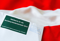 THEMENBILD - Wahlkarte für die Stichwahl der Bundespräsidentenwahl 2016 in Österreich. Aufgenommen am 09.09.2016 in Wien, Österreich // Polling Card for the presidential elections 2016 in austria. Vienna. Austria on 2016/09/09. EXPA Pictures © 2016, PhotoCredit: EXPA/ Michael Gruber