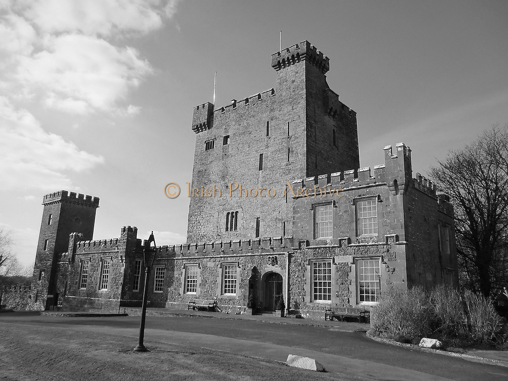 Knappogue Castle, Quin, Clare ñ 1467,