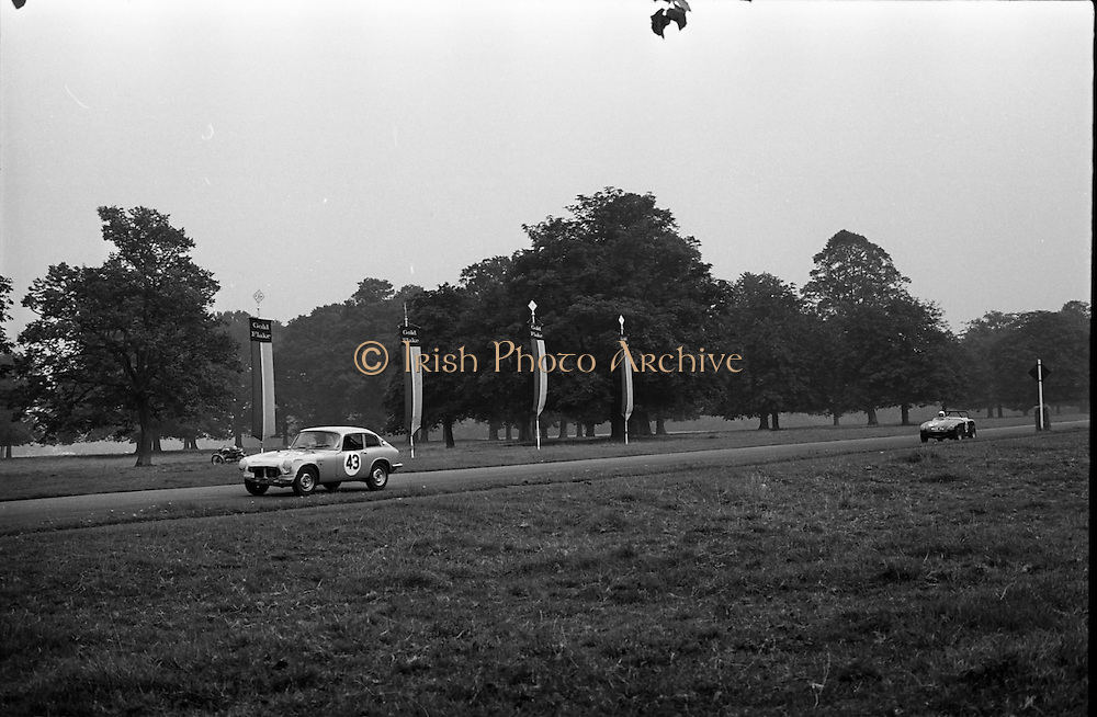 16/09/1967<br /> 09/16/1967<br /> 16 September 1967<br /> Phoenix Park Motor Racing, Kingsway Trophy Race, sponsored by Player and Wills (Ireland) Limited. Image shows S. McCormack's Honda (43) and  D.J. Smith wick's A-H Sprite (39).