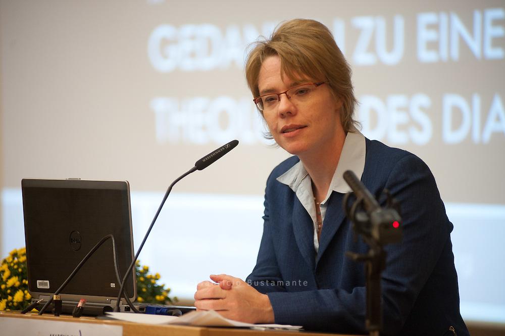 Dr. Kristina Böhlke. Behörde für Wissenschaft und Forschung Neue Perspektiven für ein Miteinander der Religionen -.Islamische Studien/Islamische Theologie in Hamburg