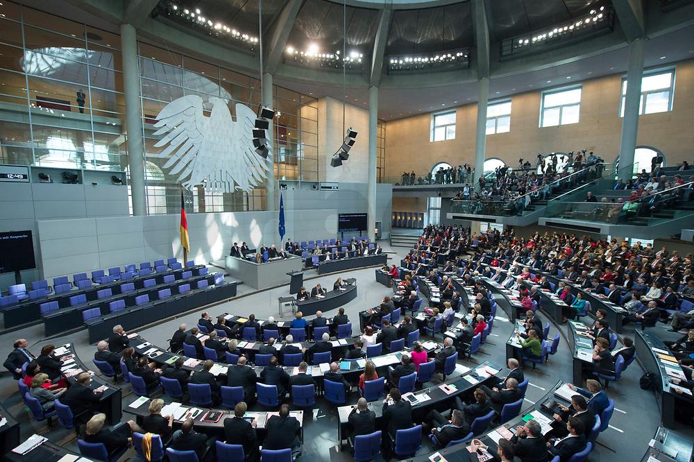 22 OCT 2013, BERLIN/GERMANY:<br /> Uebersicht waehrend der rede von Norbert Lammert nach seiner Wahl zum Bundestagspraesidenten, Konstituierende Sitzung des 18. Deutschen Bundestages, Plenum, Deutscher Bundestag<br /> IMAGE: 20131022-01-045<br /> KEYWORDS: Übersicht, Plenarsaal