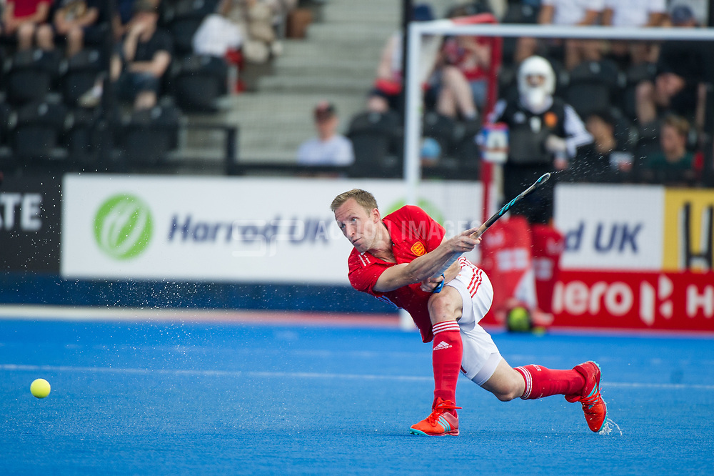 England's Barry Middleton. England v Argentina - Hockey World League Semi Final, Lee Valley Hockey and Tennis Centre, London, United Kingdom on 18 June 2017. Photo: Simon Parker