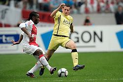 25-04-2010 VOETBAL: AJAX - FEYENOORD: AMSTERDAM<br /> De eerste wedstrijd in de bekerfinale is gewonnen door Ajax met 2-0 / Vurnon Anita en Luigi Bruins<br /> ©2009-WWW.FOTOHOOGENDOORN.NL