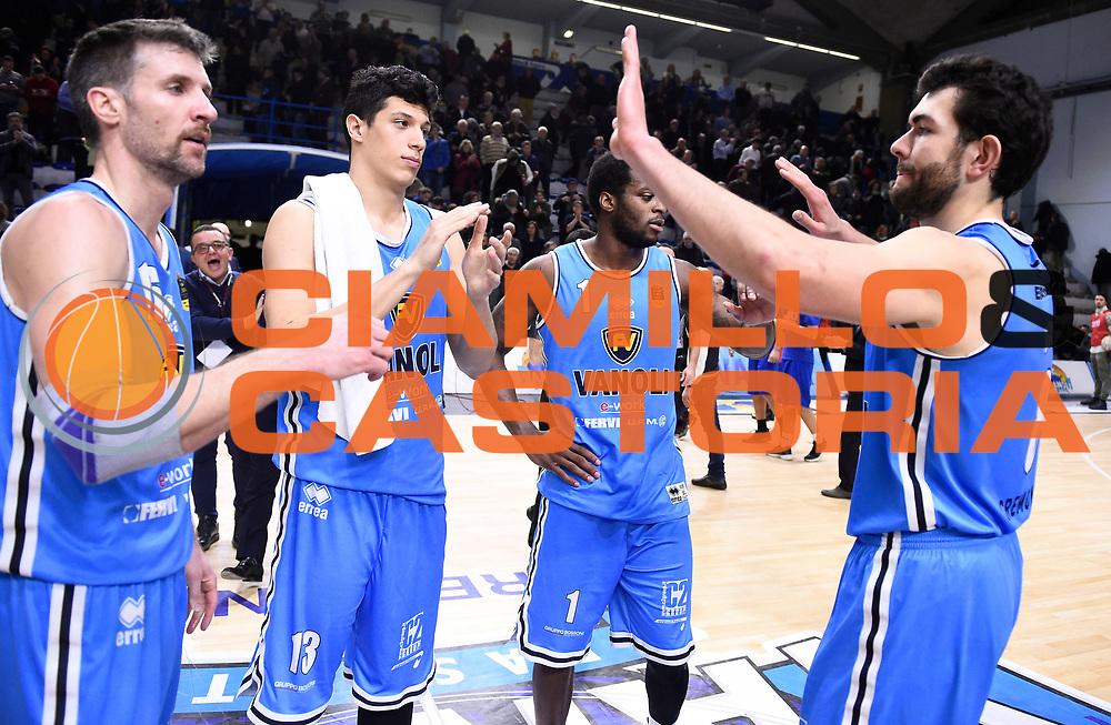 Esultanza Cremona<br /> Vanoli Cremona - Victoria Libertas Pesaro<br /> Lega Basket Serie A 2017/2018<br /> Pesaro, 04/03/2018<br /> Foto A.Giberti / Ciamillo - Castoria