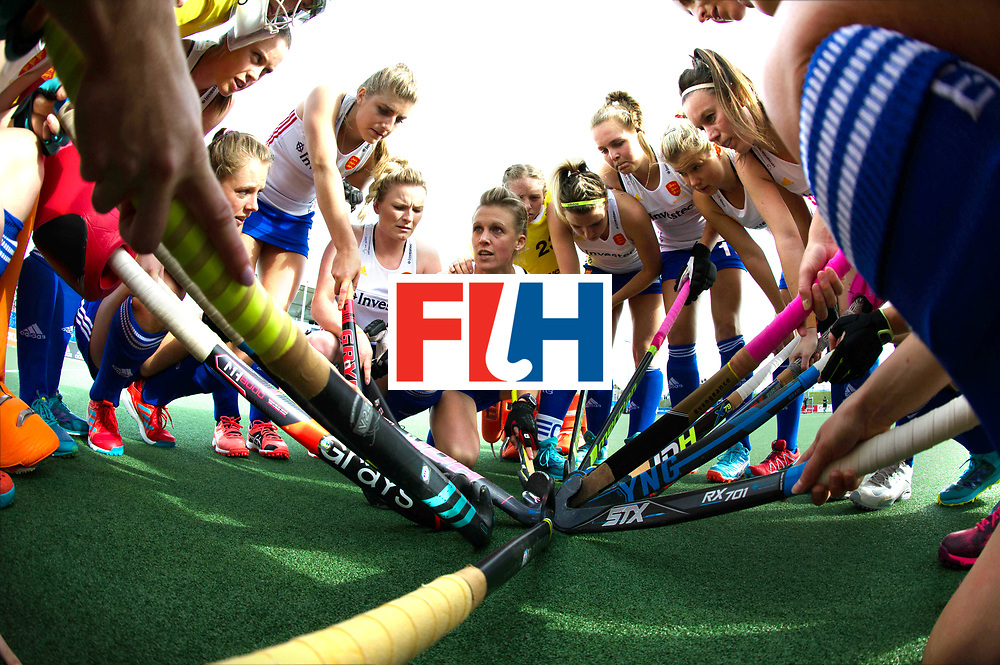 AUCKLAND - Sentinel Hockey World League final women<br /> Match id 10321<br /> Korea v England Bronze<br /> Foto:  Huddle before teh match England. Alex Danson(C) speeched.<br /> WORLDSPORTPICS COPYRIGHT FRANK UIJLENBROEK