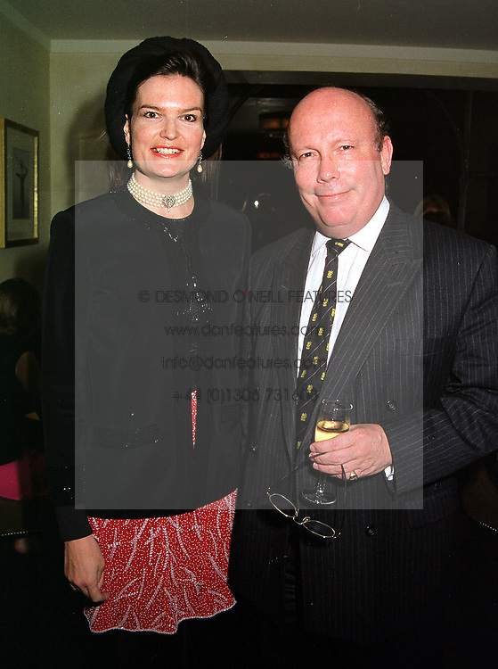 MR & MRS JULIAN FELLOWES, she is a lady in waiting to Princess Michael of Kent, at a party in London on 29th September 1999.MWX 61