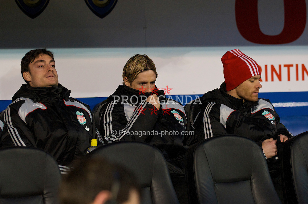 PORTSMOUTH, ENGLAND - Saturday, February 7, 2009: Liverpool's substitutes Albert Riera, Fernando Torres and Xabi Alonso during the Premiership match against Portsmouth at Fratton Park. (Mandatory credit: David Rawcliffe/Propaganda)