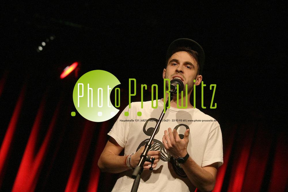 Mannheim. 23.11.2011. Alte Feuerwache. Word up! Poetry Slam - Duden Spezial - &quot;Sprache im Wandel&quot; .<br /> - Philipp Herold.<br /> <br /> <br /> <br /> Bild: Markus Proflwitz 24NOV11 / masterpress /
