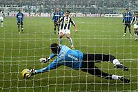 Milano 28-11-04<br /> <br /> Campionato di calcio Serie A 2004-05<br /> <br /> Inter Juventus<br /> <br /> nella  foto  Ibrahimovic realizza il suo gol su rigore<br /> <br /> Zlatan Ibrahimovic scores penalty of 0-2 for Juventus<br /> <br /> Foto Snapshot / Graffiti