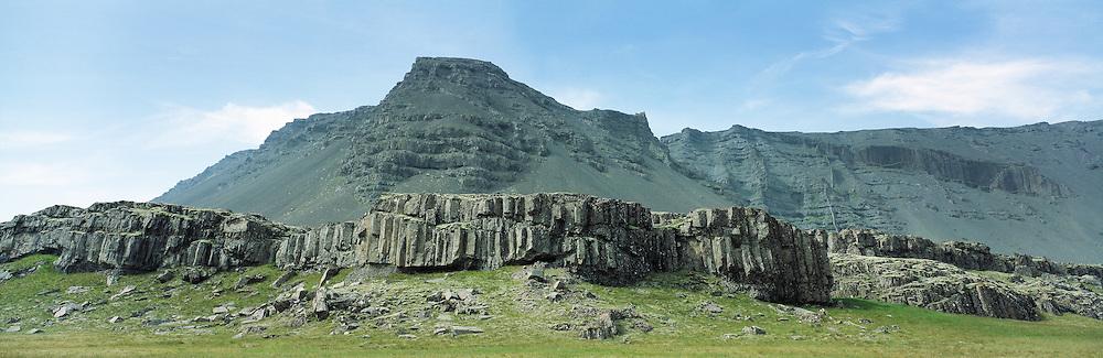 Hamrar á Austurlandi. / Cliffs in E-Iceland.