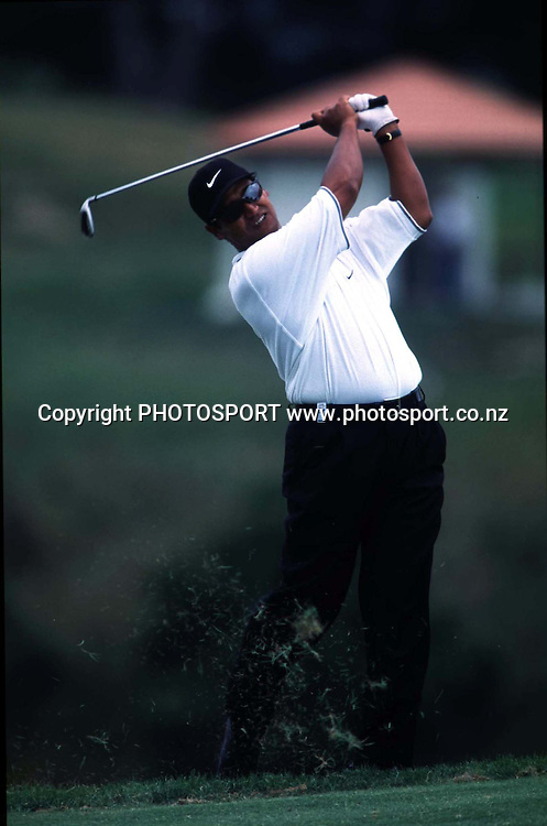 Michael Campbell in action. New Zealand Golf Open, Formosa, 1998. Photo: Scott Barbour/PHOTOSPORT